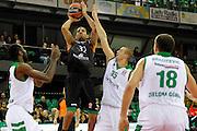 DESCRIZIONE : Siena Eurolega Euroleague 2013-14 MPS Zielona Montepaschi Siena<br /> GIOCATORE : Erick Green<br /> CATEGORIA : tiro<br /> SQUADRA : Montepaschi Siena<br /> EVENTO : Eurolega Euroleague 2013-2014<br /> GARA : MPS Zielona Montepaschi Siena<br /> DATA : 05/12/2013<br /> SPORT : Pallacanestro <br /> AUTORE : Agenzia Ciamillo-Castoria/ P.Lazzeroni<br /> Galleria : Eurolega Euroleague 2013-2014  <br /> Fotonotizia : Siena Eurolega Euroleague 2013-14 MPS Zielona Montepaschi Siena<br /> Predefinita :