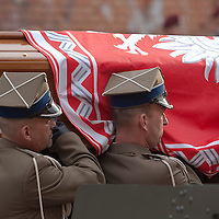 Funeral of late Polish president Lech Kaczynski and his wife Maria Kaczynska in Krakow, Poland. Sunday, 18. April 2010. ATTILA VOLGYI The presidental coupple died in the tragic airplane accident at Smolensk in Russia.