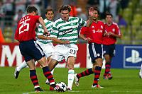 Fotball<br /> UEFA Champions League<br /> 17.09.2003<br /> Bayern München v Celtic<br /> NORWAY ONLY<br /> Foto: Digitalsport<br /> <br /> THOMAS LINK / STANISLAV VARGA