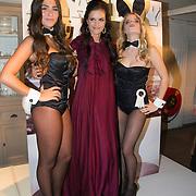 """NLD/Amsterdam/20131204 - Presentatie Kerst Playboy met Marly van der Velden, Marly van der Velden met playboy bunny""""s"""