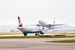 THEMENBILD - zwei AUA Maschinen am Flughafen Wien, aufgenommen am 1. Juni 2018 in Schwechat, Österreich //  two planes of Austrian Airlines at the Vienna International Airport in Schwechat, Austria on 2018/06/01, EXPA Pictures © 2018, PhotoCredit: EXPA/ Sebastian Pucher