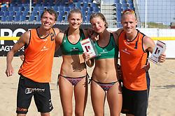 20160724 NED: NK Beachvolleybal 2016, Scheveningen <br />Nederlands Kampioen Beachvolleybal 2016, Wessel Keemink, Nika Daalderop, Joy Stubbe en Sven Vismans<br />©2016-FotoHoogendoorn.nl / Pim Waslander