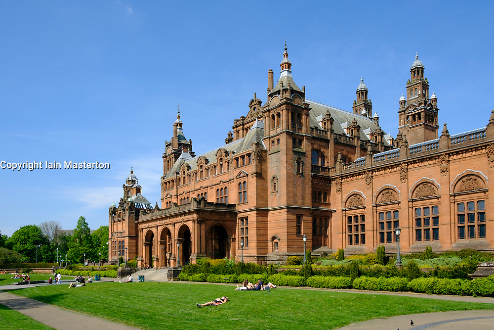 View of Kelvingrove Art Gallery and Museum in Glasgow west end , Scotland, UK