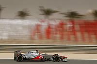 MOTORSPORT - F1 2012 -  BAHRAIN GRAND PRIX - SAKHIR (BHR) - 19 TO 22/04/2012 - PHOTO : FREDERIC LE FLOC'H / DPPI - <br /> BUTTON JENSON (GBR) - MCLAREN MERCEDES MP4-27 - ACTION