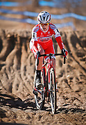 SHOT 1/12/14 2:49:50 PM - Elle Anderson (#4) of San Francisco, Ca. competes in the Women's Elite race at the 2014 USA Cycling Cyclo-Cross National Championships at Valmont Bike Park in Boulder, Co. Anderson finished second in the race with a time of 43:25. (Photo by Marc Piscotty / © 2014)
