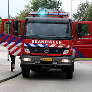 NLD/Huizen/20070925 - Woningbrand Huizermaatweg Huizen, aankomst 733
