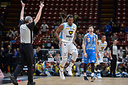 DESCRIZIONE : Beko Final Eight Coppa Italia 2016 Serie A Final8 Quarti di Finale Vanoli Cremona - Dinamo Banco di Sardegna Sassari<br /> GIOCATORE : Elston Turner<br /> CATEGORIA : Ritratto Esultanza<br /> SQUADRA : Vanoli Cremona<br /> EVENTO : Beko Final Eight Coppa Italia 2016<br /> GARA : Quarti di Finale Vanoli Cremona - Dinamo Banco di Sardegna Sassari<br /> DATA : 19/02/2016<br /> SPORT : Pallacanestro <br /> AUTORE : Agenzia Ciamillo-Castoria/L.Canu