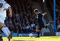 Photo: Ashley Pickering.<br />Southend United v Leeds United. Coca Cola Championship. 17/03/2007.<br />Mark Gower of Southend fires in the opening goal (1-0)