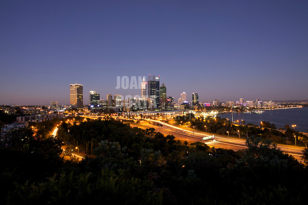 30/March/2013 Western Australia..Night view of the skyline of Perth..©JOAN COSTA