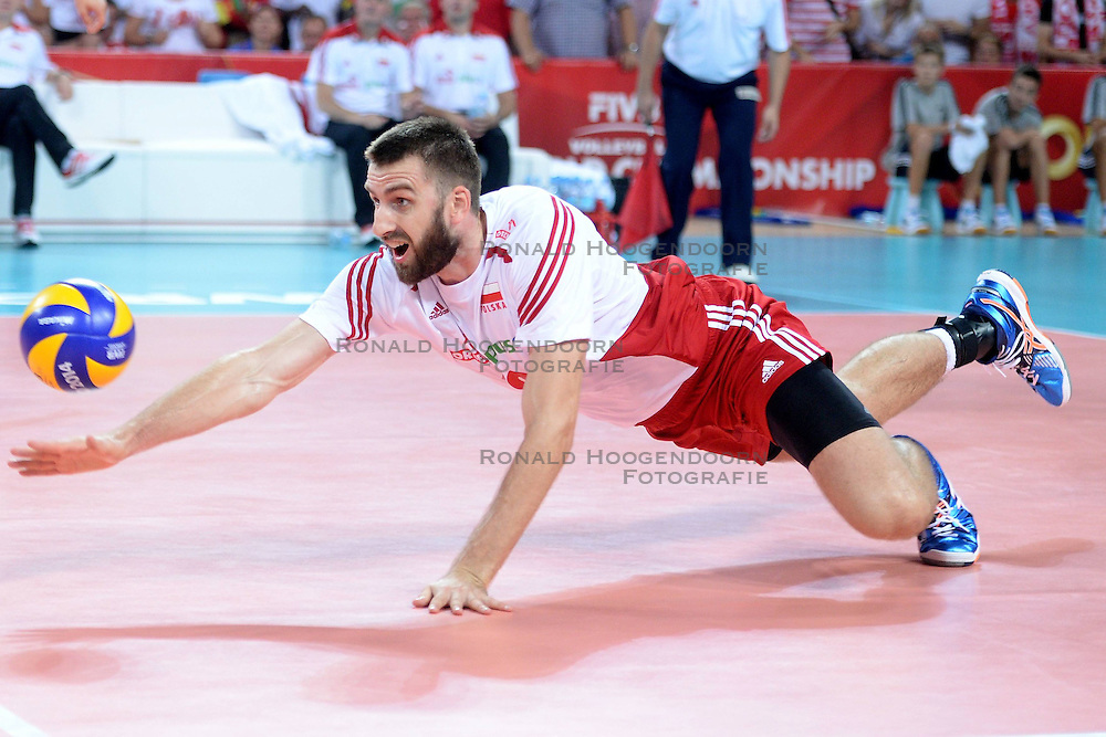 06.09.2014, Jahrhunderthalle, Breslau, POL, FIVB WM, Kamerun vs Polen, Gruppe A, im Bild MARCIN MOZDZONEK, PAD SYLWETKA // during the FIVB Volleyball Men's World Championships Pool A Match beween Cameroon and Poland at the Jahrhunderthalle in Breslau, Poland on 2014/09/06. <br /> <br /> ***NETHERLANDS ONLY***