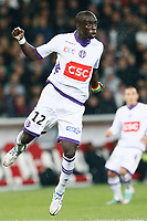 FOOTBALL - FRENCH LEAGUE CUP 2012/2013 - 1/8 FINAL - LILLE OSC v TOULOUSE FC - 30/10/2012 - PHOTO CHRISTOPHE ELISE / DPPI - CHEIKH M'BENGUE (TOULOUSE FC)