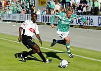 Fotball <br /> Herrer <br /> 1 divisjon <br /> Adecco ligaen <br /> MK - Sogndal IL 2 - 2 <br /> Mandal idrettspark 03.06.07 <br /> Foto: Tomas Rolland, Digitalsport<br /> <br /> Fv. Elvis Aye Ahyee - Sogndal - og Magne Nilsen - MK -