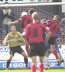 DARREN LYNCH MISSES AN EARLY CHANCE AS HE HEADS STRAIGHT INTO STALYBRIDGE KEEPER HANDS 9/10/04