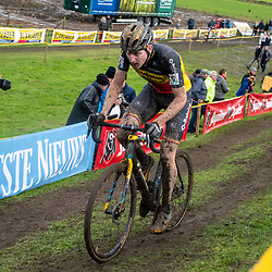 2019-11-03: Cycling: Superprestige: Ruddervoorde: Toon Aerts chasing the leaders of the race