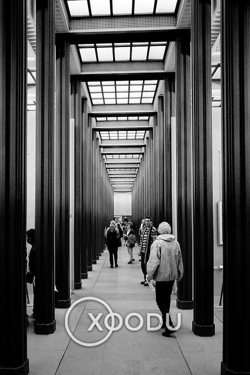 Column walk, Paris, France (October 2004)
