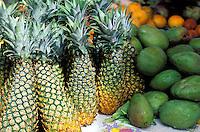 France - Département d'Outre mer de la Guadeloupe (DOM) - Pointe à Pitre - Marché de la Darse - Ananas et avocats