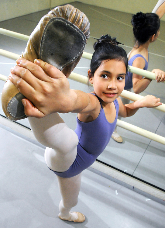 Robin Zielinski – Sun-NewsEva Bulla, 9, of Las Cruces, dances on Tuesday at the Verdi Dance Academy. Bulla auditioned and won a part in The Nutcracker with the Moscow Ballet. The performance will be on Tuesday Dec. 23 in El Paso's Plaza Theater.