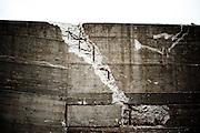 Carrara.Esondazione del torrente Carrione. Un particolare del muro di cinta che ha ceduto al torrente.<br />  Carrara, giovedì 6 novembre 2014 . Daniele Stefanini /  OneShot