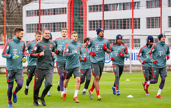 14.03.2019, Säbener Strasse, Muenchen, GER, 1. FBL, FC Bayern Muenchen vs 1. FSV Mainz 05, Training, im Bild v.l. Thomas Müller (FC Bayern), Lars Lukas Mai (FC Bayern), Prof. Dr. Holger Broich (FC Bayern), Christian Früchtl (FC Bayern), Joshua Kimmich (FC Bayern), Wooyeong Jeong (FC Bayern), Jerome Boateng (FC Bayern), Renato Sanches (FC Bayern), Kingsley Coman (FC Bayern), Thomas Müller (FC Bayern) // during a trainings session before the German Bundesliga 26th round match between FC Bayern Muenchen and 1. FSV Mainz 05 at the Säbener Strasse in Muenchen, Germany on 2019/03/14. EXPA Pictures © 2019, PhotoCredit: EXPA/ Lukas Huter