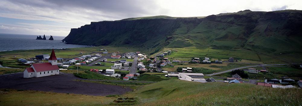 Vík í Mýrdal og Víkurkirkja í forgrunni / The town Vik in Myrdalur