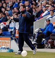Photo: Daniel Hambury.<br />Leicester City v Crewe Alexander. Coca Cola Championship. 17/12/2005.<br />Leicester's manager Craig Levein.