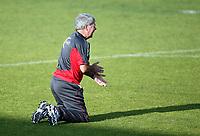 Fotball , 7. jui 2009 , Trening Norge , foran møtet med Nederland<br />  Egil Olsen trener Norge tar push-ups , serie bilder