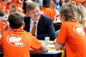 Koning Willem Alexander opent Koningsspelen in Ens