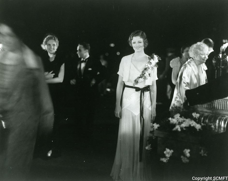 1935 Myrna Loy at a Carthay Circle Theater premiere