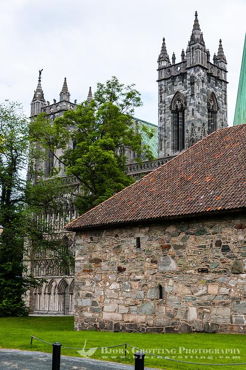 Norway, Sør-Trøndelag, Trondheim. Nidarosdomen Cathedral.