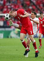 Fotball , 7. juni 2007 , EM Sveits - Tsjekkia<br /> v.l. Ludovic Magnin Schweiz, Libor Sionko<br /> EURO 2008 Vorrunde Schweiz - Tschechien<br /> Norway only