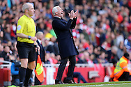 Alan Pardew, the Crystal Palace manager shouting from the dugout. Barclays Premier league match, Arsenal v Crystal Palace at the Emirates Stadium in London on Sunday 17th April 2016.<br /> pic by John Patrick Fletcher, Andrew Orchard sports photography.