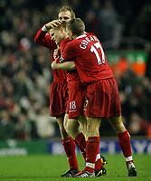 Fotball<br /> Premier League 30.11.2003<br /> Liverpool v Birmingham<br /> John Arne Riise - Sami Hyypia og Steven Gerrard - Liverpool<br /> Foto: Morten Olsen, Digitalsport