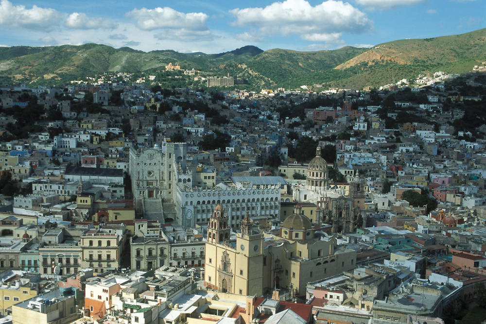 Scienic view of a colonial city founded 1548, Guanajuato, Mexico, population 77,000.<br /> ©Bob Daemmrich