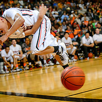 020615  Adron Gardner/Independent<br /> <br /> Gallup Bengal Sean Eskeets (23)  dives to save a ball from out of bounds at Gallup High School Friday.