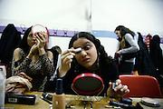 """Milano, 4° Sabaoth festival della Musica Cristiana, Paola Fumagalli (sn) con """"Guarda bene"""". Giovane e molto carina cantante milanese, anche lei al debutto, presenta un pezzo hip-hop, scritto e musicato da lei stessa. Si presenta sul palco col nome di Klésis. corista Leticia"""