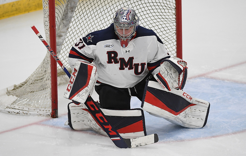 PITTSBURGH, PA - JANUARY 02: Noah West #31 of the Robert Morris Colonials tends goal in the second period during the game against the RIT Tigers at Clearview Arena on January 2, 2020 in Pittsburgh, Pennsylvania. (Photo by Justin Berl/Robert Morris Athletics)