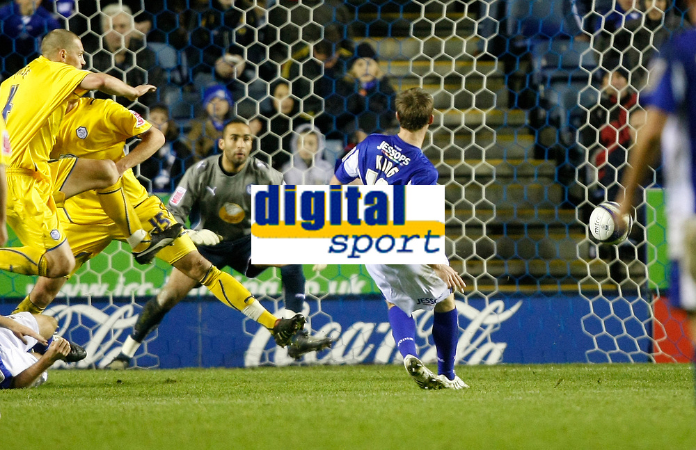 Photo: Steve Bond/Richard Lane Photography. Leicester City v Sheffield Wednesday. Coca Cola Championship. 12/12/2009. Andy King (10) places the ball into the corner of the net for the 3rd goal