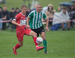 Andreas Smed (FC Helsingør) og Tobias Svendsen (Bispebjerg Boldklub) under kampen i Sydbank Pokalen, 1. runde, mellem Bispebjerg Boldklub og FC Helsingør den 2. september 2020 i Lersø Parken (Foto: Claus Birch).