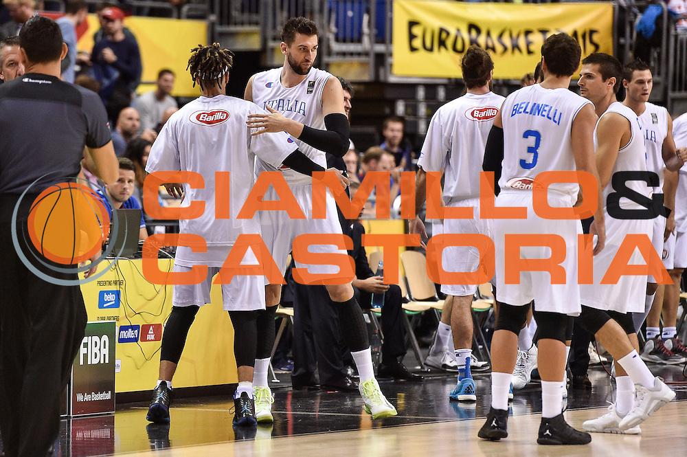 DESCRIZIONE : Berlino Berlin Eurobasket 2015 Group B Germany Germania - Italia Italy<br /> GIOCATORE : Andrea Bargnani<br /> CATEGORIA : Fair Play Before Pregame<br /> SQUADRA : Italia Italy<br /> EVENTO : Eurobasket 2015 Group B<br /> GARA : Germany Italy - Germania Italia<br /> DATA : 09/09/2015<br /> SPORT : Pallacanestro<br /> AUTORE : Agenzia Ciamillo-Castoria/GiulioCiamillo