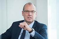"""18 AMY 2017, BERLIN/GERMANY:<br /> Dr. Werner Goetz, Vorsitzender der Geschäftsfuehrung der TransnetBW GmbH, Veranstaltung des Wirtschaftsforums der SPD """"Netzausbaualternativen"""", EnBW Hauptstadtrepräsentanz<br /> IMAGE: 20170518-01-104<br /> KEYWORDS: Werner Götz"""