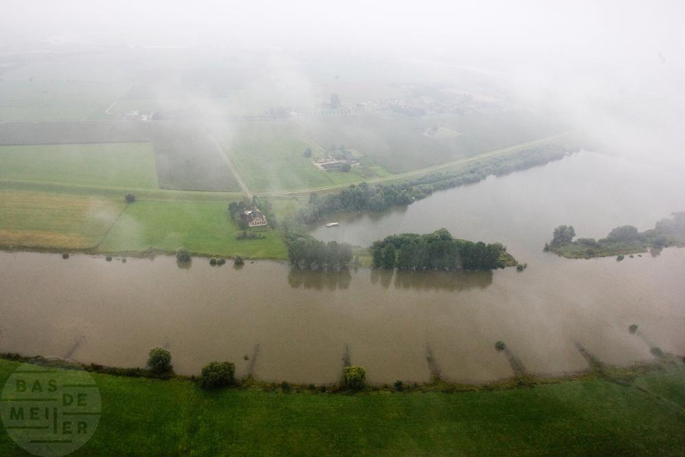 De IJssel bij Dieren gezien vanuit een heteluchtballon<br /> <br /> The river IJssel seen from an air balloon