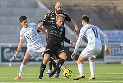 Elijah Just (FC Helsingør), Mike Vestergård (Kolding IF) under kampen i 1. Division mellem FC Helsingør og Kolding IF den 24. oktober 2020 på Helsingør Stadion (Foto: Claus Birch).