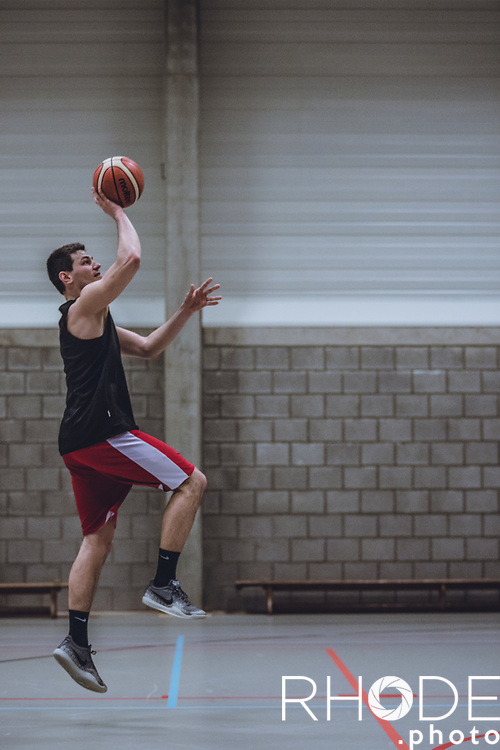 Maxime Depuydt (BEL), pro player Belgian team Hubo Limburg United.<br /> <br /> Working the late hours at Corodo Mol with Corodo Coach Dominic Rossi. <br /> <br /> Corodo Basketball<br /> Individual Training Program<br /> wednesday January 9, 2019