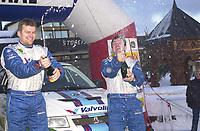 Gol 180103 - Rally NM åpning i Hallingdal - Henning Solberg ble den suverene vinner av Mountain Rally Norway. Seieren feires sammen med kartleser Cato Menkerud.<br /> Foto: Birger Henriksen, Digitalsport