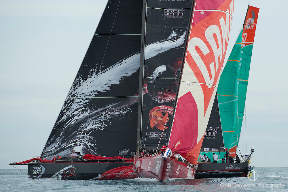 CAMPER with Emirates Team New Zealand are second at the first mark behind Abu Dhabi. Alicante In-Port Race of the Volvo Ocean Race. 29/10/2011