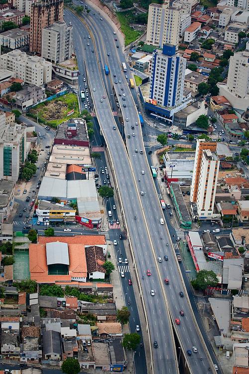 Belo Horizonte_MG, Brasil...Avenida Cristiano Machado em Belo Horizonte, Minas Gerais...Cristiano Machado in Belo Horizonte, Minas Gerais...Foto: BRUNO MAGALHAES / NITRO