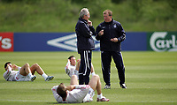 Photo: Paul Thomas.<br /> England Training Session. 01/06/2006.<br /> <br /> Sven Goran Eriksson (L) and Steve Maclean talk.