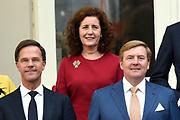 Het nieuwe kabinet Rutte III op het bordes van Paleis Noordeinde. <br /> <br /> Op de foto:  Ingrid Engelshoven - minister van Onderwijs, Cultuur en Wetenschappen