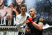 BOXEN: IBO-Weltmeisterschaft, Pressetraining, Hamburg, 03.07.2019<br /> EC Boxing: Tulani Mbenge und Herausforderer Sebastian Formella <br /> © Torsten Helmke