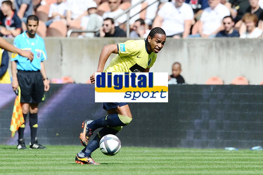 FOOTBALL - TOUNOI DE PARIS 2010 - FC PORTO v GIRONDINS BORDEAUX - 01/08/2010 - PHOTO GUY JEFFROY / DPPI - DANIEL ALVARO (PORTO)